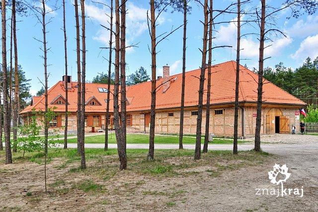 http://www.znajkraj.pl/files/styles/a/public/kaszubski-park-etnograficzny-nowa-siedziba-majowka-2014-szymon-nitka-0374.jpg