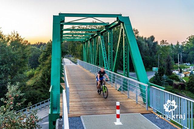 stary-most-kolejowy-na-zelaznym-szlaku-r