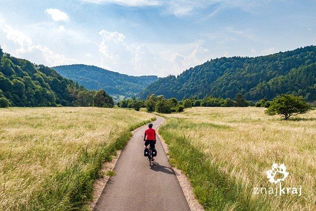 [Obrazek: szlak-rowerowy-w-dolinie-popradu-w-malop...a-0148.jpg]