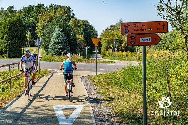 wykrzywienie-trasy-rowerowej-przed-przec