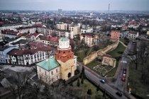 Brama Krakowska i fragment murów w Wieluniu