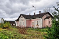 Budynek dawnej stacji w Czarnym Dunajcu