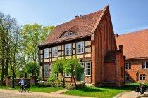 Budynek na terenie klasztoru Heiligengrabe