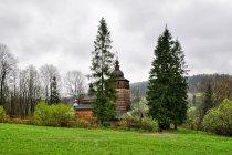 Cerkiew Opieki Matki Bożej w Wołowcu w Beskidzie Niskim