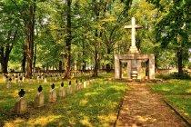 Cmentarz wojenny w Brzesku