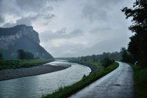 Deszczowa dolina Renu