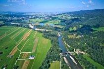 Dolina Dunajca z góry, z prawej Gorce