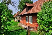 Drewniana chata w Mokrzyskach