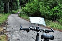 Droga niedaleko jeziora Osowo