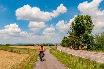 Droga rowerowa Green Velo przed Ujazdem