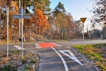 Droga rowerowa przecina szosę