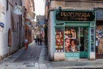 Drogeria przy Via Emilia w Parmie