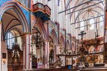 Efektowne wnętrze kościoła św. Mikołaja w Stralsundzie