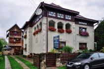 Efektowny pensjonat w Watrze Mołdowicy - odradzamy.