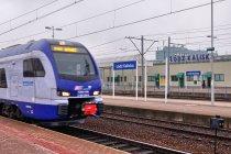 Flirt ruszający ze stacji Łódź Kaliska