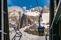 Gondola w drodze na lodowiec