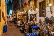 Imprezowa uliczka w Bolonii