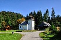 Kaplica w Muzeum Kisuckiej Wsi