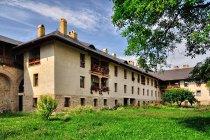Klasztor w Dragomirnie