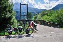 Kolejny rowerowy most nad Drawą