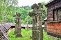 Krzyże wokół cerkwi w Kotani