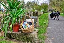 Księgarnia przy rowerowym szlaku