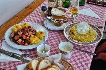 Kuchnia rumuńska - tochitura i papara