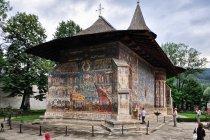 Malowana cerkiew w monasterze w Worońcu