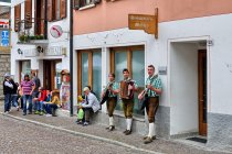MIejscowa grupa folkowa z Canal San Bovo
