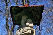 Na cmentarz koło cerkwi w Wołowcu