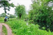Na drodze rowerowej nad rzeką Leine