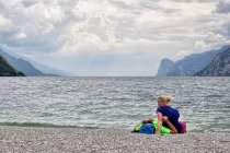 Na plaży w Lago di Garda