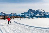 Na trasie narciarskiej w Dolomitach