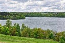Nad jeziorem Raduńskim Górnym
