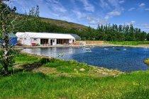 Najstarszy basen geotermalny na Islandii - Fludir