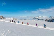 Narciarze na biegówkach na lodowcu Dachstein