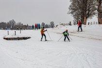 Niewidoma narciarka biegowa