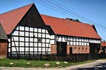 Odnowione budynki w Swołowie