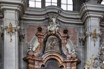 Ołtarz w kościele w Dobiacco