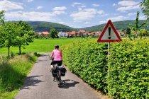Oznakowanie na drodze rowerowej