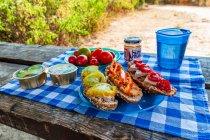 Pasztet kontra hummus - śniadanie w trasie