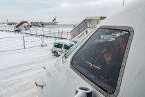Pilot Finnair na lotnisku w Helsinkach