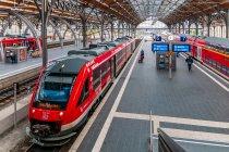 Pociąg regionalny DB na stacji w Lubece