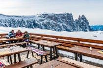 Przerwa w bieganiu na nartach po Dolomitach