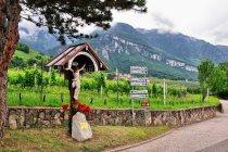 Przydrożny krzyż koło Pinzano