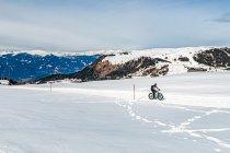 Rowerem po śniegu w Dolomitach