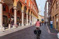 Rowerem po ulicach Modeny