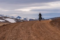 Rowerem przez góry Islandii