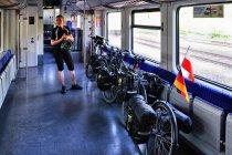 Rowerowy przedział w pociągu DB S-Bahn