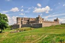 Ruiny pałacu Krzyżtopór w Ujeździe